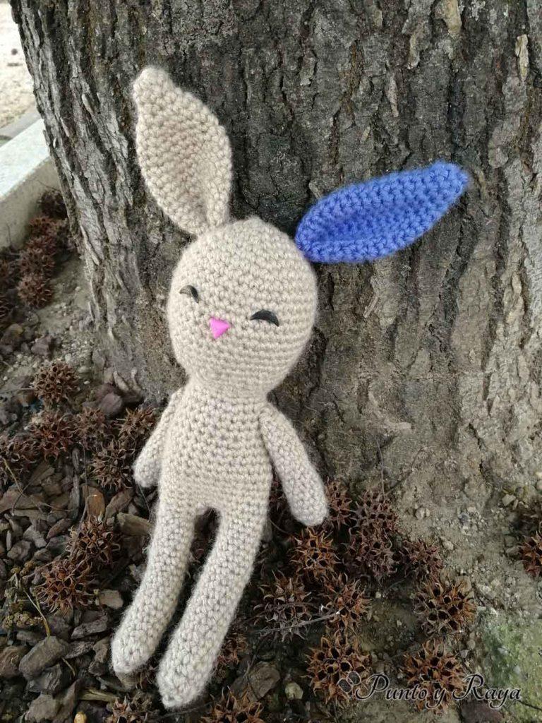 Conejo amigurumi de frente